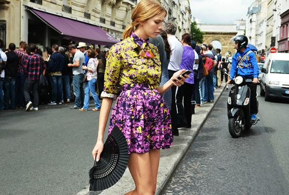 Уличный стиль на Неделе высокой моды в Париже. Изображение № 8.