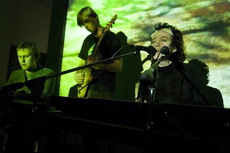 Альбом группы «Чикис» – «Безымянный витамин» всети. Изображение № 2.