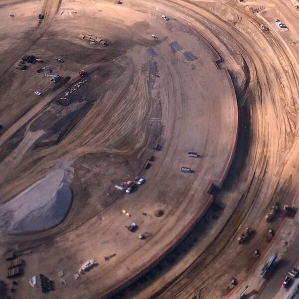 Репортёр показал стройку кампуса Apple с высоты птичьего полёта . Изображение № 5.