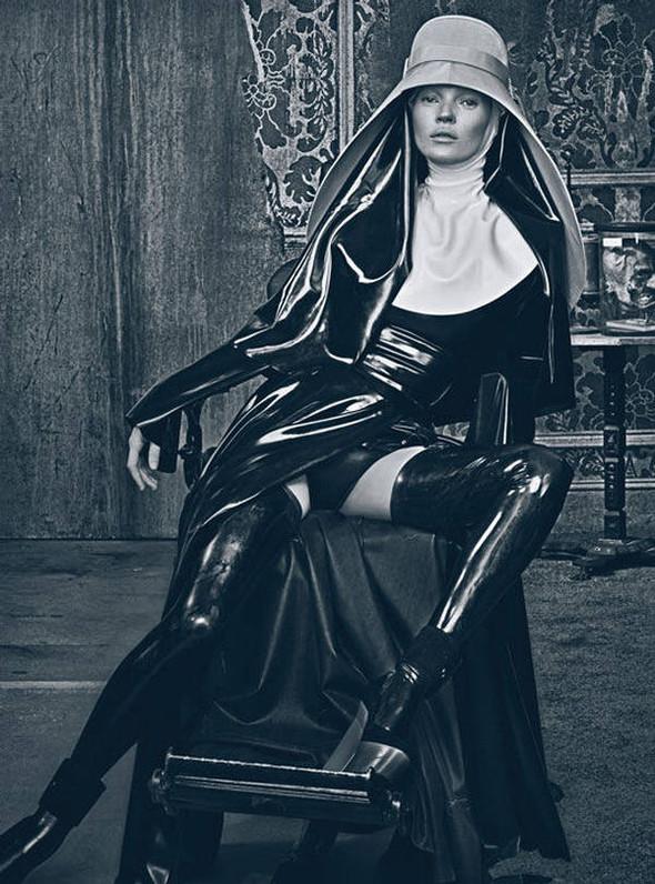 Kate Moss (КЕЙТ МОСС) для W Magazine. Изображение № 12.