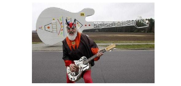 Необычные гитары или«Зацени моюмалютку, чувак!». Изображение № 9.