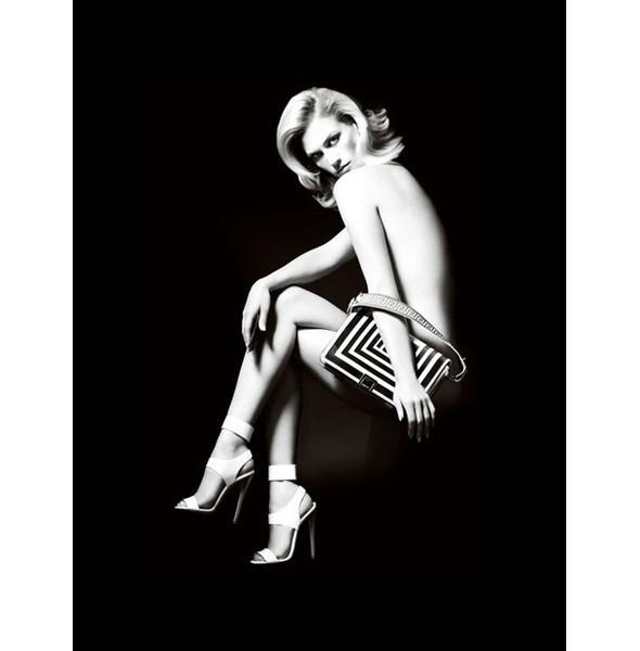 Превью новых кампаний: Givenchy, Marc Jacobs и Versace. Изображение № 4.