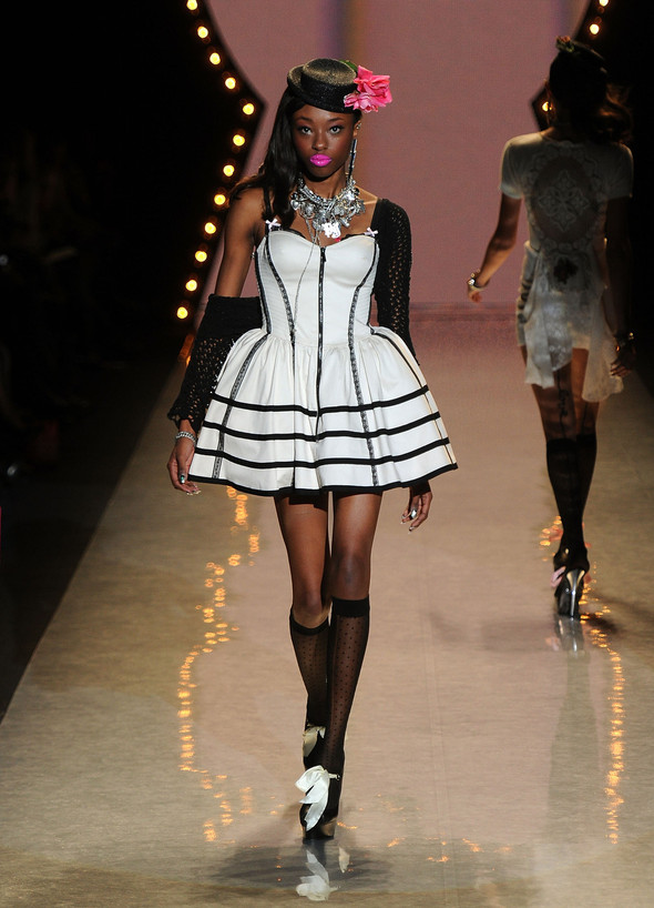 New York Fashion Week: Betsey Johnson Spring 2012. Изображение № 39.