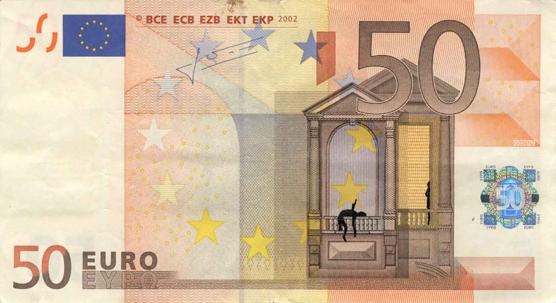 Художник в знак протеста изрисовал банкноты на 3555 евро. Изображение № 6.