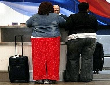 Полные пассажиры будут доплачивать за свой авиабилет. Изображение № 1.
