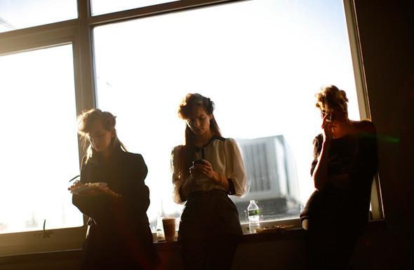 Изображение 5. Неделя моды в Нью Йорке: Бэкстэйдж.. Изображение № 5.