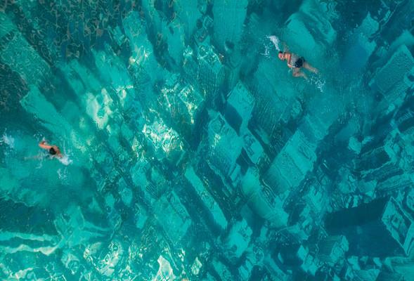 NYC- проплывая надгородом. Изображение № 1.