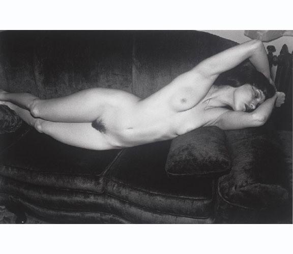 Части тела: Обнаженные женщины на фотографиях 70х-80х годов. Изображение № 112.