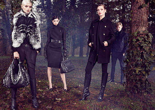 Кампании: Dior, Versace, Gucci и Burberry. Изображение № 13.