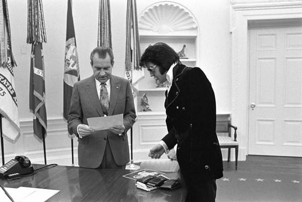 Элвис Пресли vsРичард Никсон. Историческая встреча. Изображение № 5.