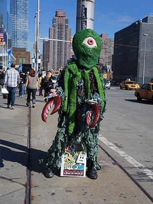 Как прошёл гик-фестиваль NYC Comic-Con  в Нью-Йорке. Изображение № 30.