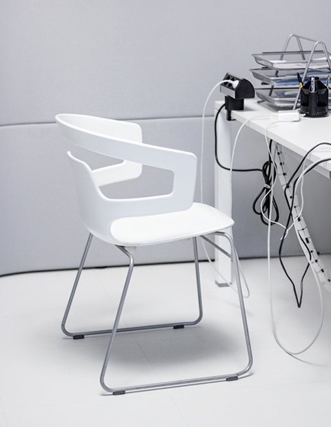 Кто страдает от офисного шума  больше всего . Изображение № 6.
