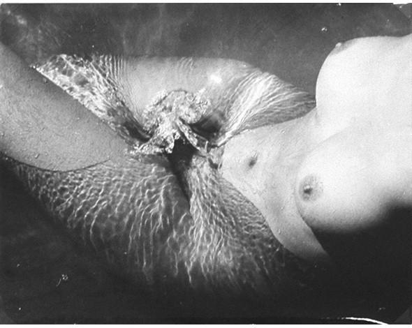 Части тела: Обнаженные женщины на фотографиях 50-60х годов. Изображение № 108.