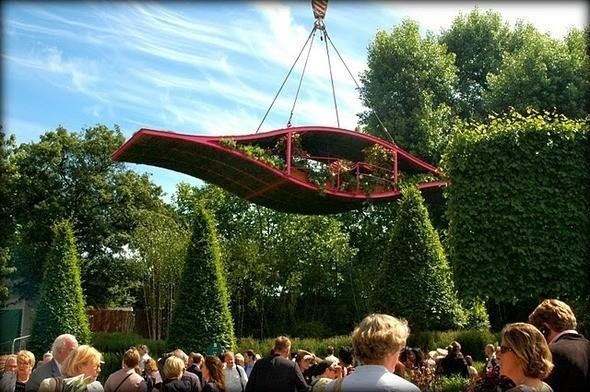 The Irish Sky Garden, напоминающий пейзажи из фильма Avatar, можно летать и обедать одновременно. Изображение № 5.