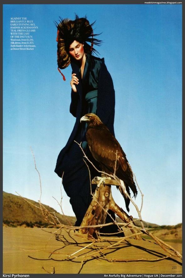Съёмка: Тим Уокер для британского Vogue. Изображение № 14.