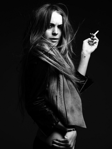 LINDSAY LOHAN BY HEDI SLIMANE PHOTOSHOOT. Изображение № 9.