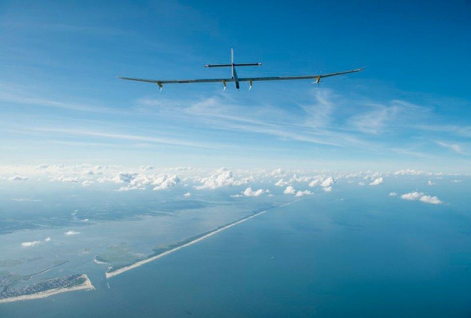 Первый самолёт  на солнечной энергии,  который долетит  на край света. Изображение №17.