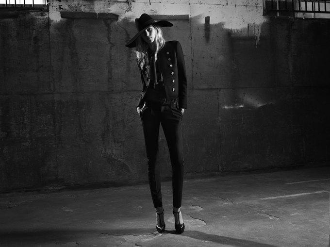 Вышла новая женская кампания Saint Laurent Paris Эди Слимана. Изображение № 5.