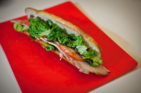 Быстро и вкусно: Сандвичи, хот-дог и три брускетты. Изображение № 18.