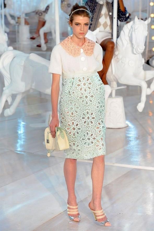 Неделя моды в Париже: Louis Vuitton весна 2012. Изображение № 8.