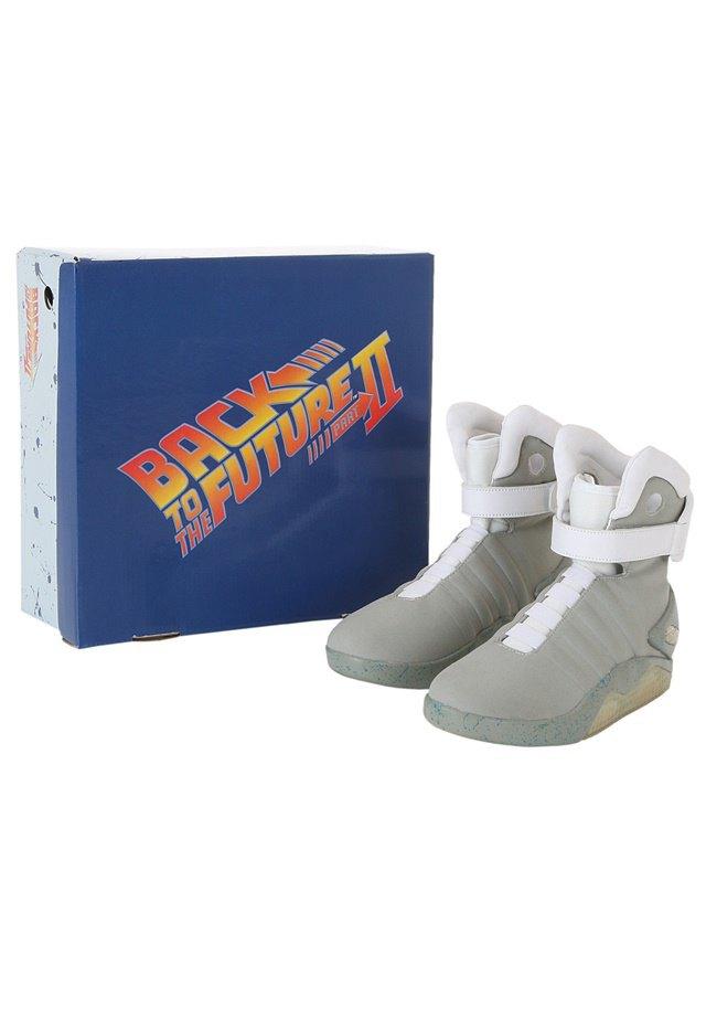 В сентябре начнут продавать кроссовки из «Назад в будущее 2». Изображение № 5.