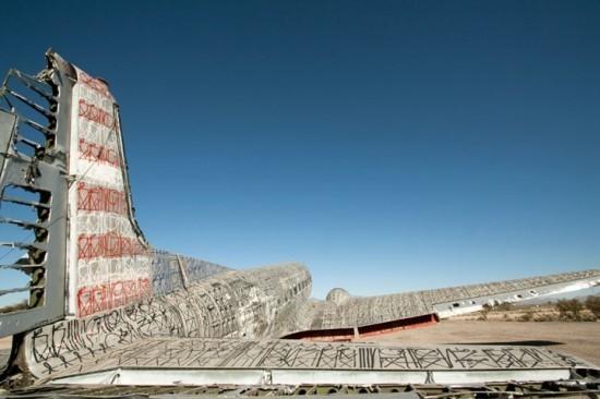 Крупнейший музей авиации раскрасил старые самолеты. Изображение № 13.