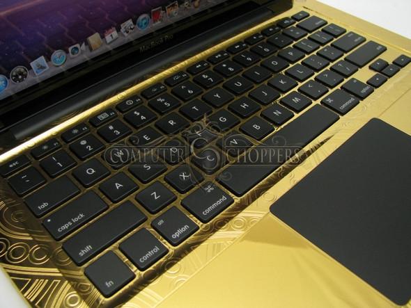 Макбук из золота от Computer Choppers. Изображение № 5.