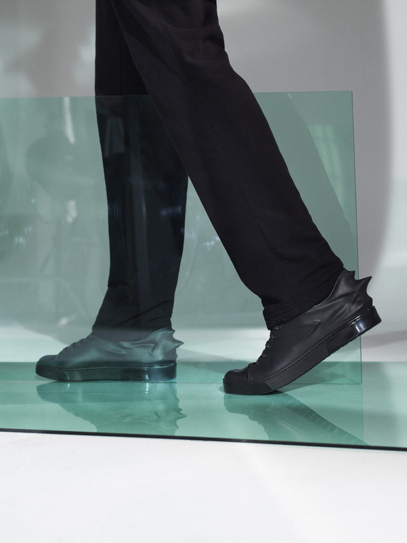Лукбук: Urban Mobility by Hussein Chalayan FW 2011. Изображение № 9.