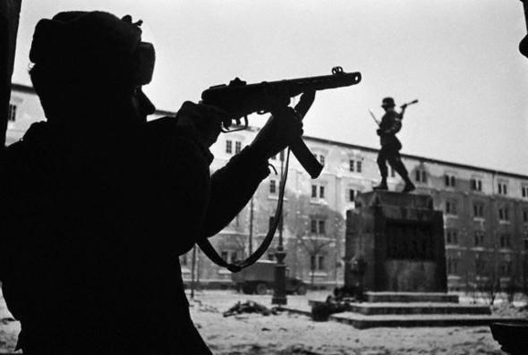 Война ипобеда Евгения Халдея. Изображение № 21.