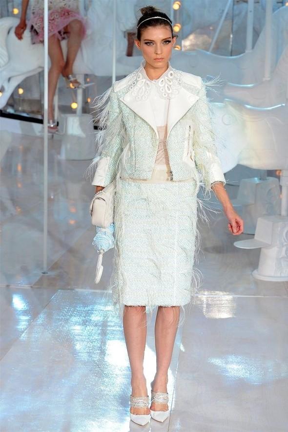 Неделя моды в Париже: Louis Vuitton весна 2012. Изображение № 41.