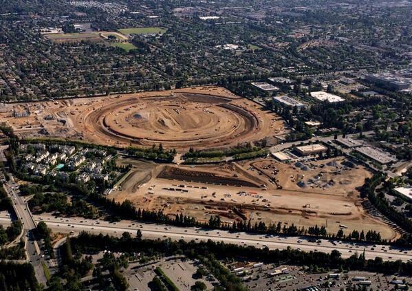 Репортёр показал стройку кампуса Apple с высоты птичьего полёта . Изображение № 1.