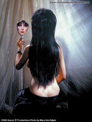 Немного оженщинах – Elvira, Mistress OfThe Dark. Изображение № 4.