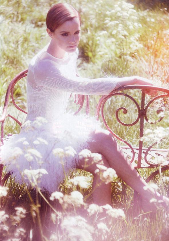 Съёмка: Эмма Уотсон в британском Harper's Bazaar. Изображение № 4.