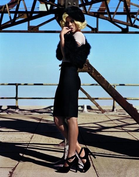 Съёмка: Рианна для британского Vogue. Изображение № 7.