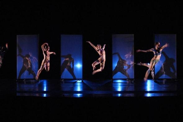 Танцевальные структуры Pilobolus. Изображение № 16.