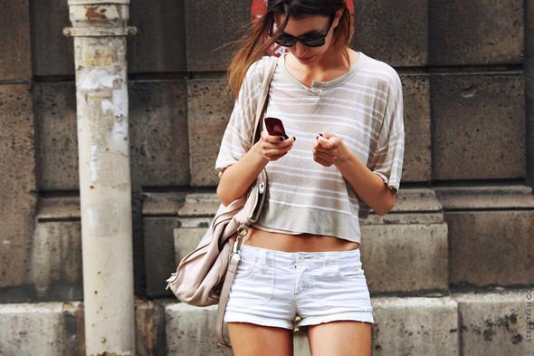 Уличный стиль на Неделе высокой моды в Париже. Изображение № 91.