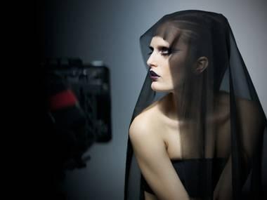 Алла Костромичева на съёмках рекламного ролика Gareth Pugh x M.A.C. Изображение № 7.