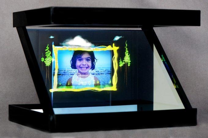 На Kickstarter собирают деньги на голографический проектор для смартфонов. Изображение № 3.