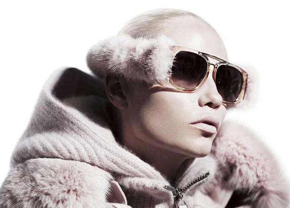 Съёмка: Наташа Поли для китайского Vogue. Изображение № 5.
