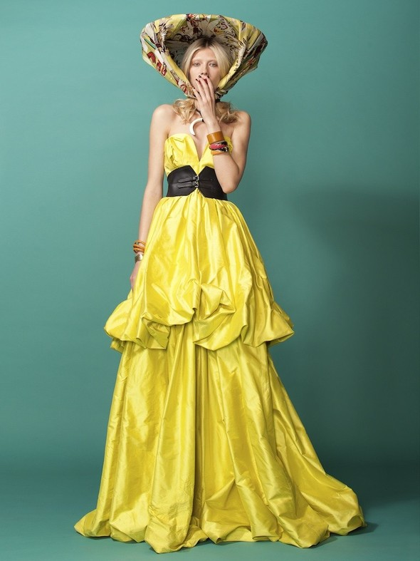 Лукбук: Лаура Горун в ярком фотосете от Хенрика Лобачевски. Изображение № 9.