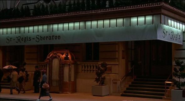 1. St. Regis Hotel Пятизведочный отель на Пятой авеню, в четырех кварталах от Центрального парка, в котором останавливались Сальвадор Дали и Марлен Дитрих. Фигурирует у Аллена в «Кое-что еще» (2003), «Днях радио» (1987) и «Ханне и ее сестрах» (1986) — в одном из его номеров герой Майкла Кейна вступил в адюльтер с сестрой своей жены.. Изображение №20.