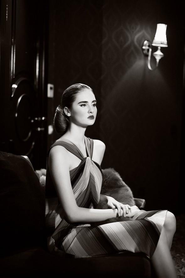 Fashion съемка новогодней коллекции от Jana Nedzvetskaya для Lo. Изображение № 11.