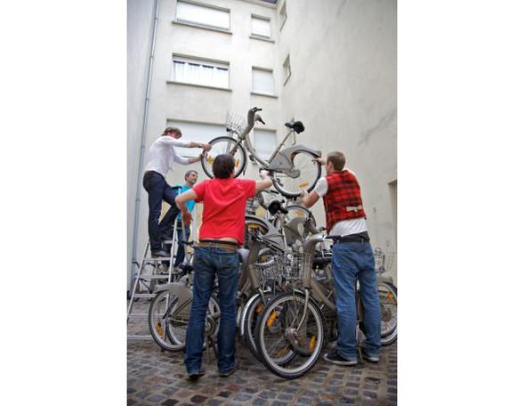 Бастующие велосипеды в Colette, зеркальная сталь в Kensington Gardens и другие новости. Изображение № 2.