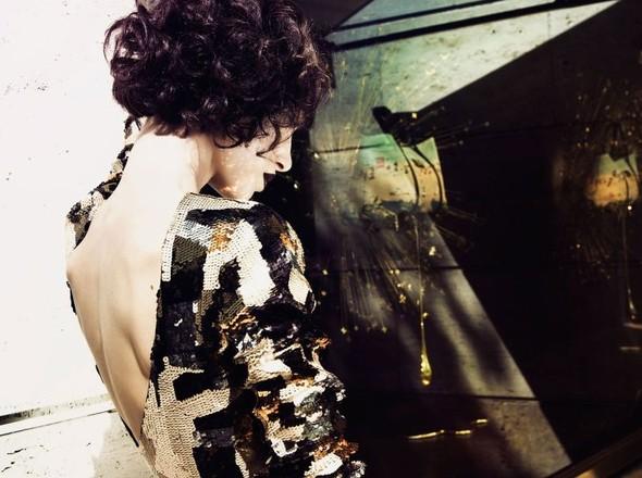 Съёмка: По магазинам с Masha Rudenko 4 Qvest Magazine Fall 2011. Изображение № 4.