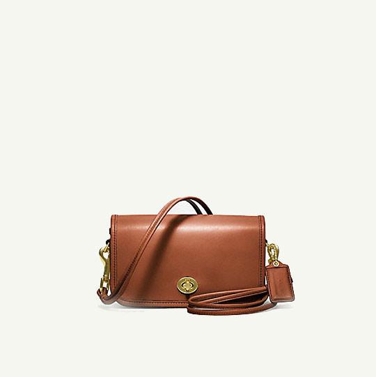Лукбук: сумки Coach Classics. Изображение № 11.