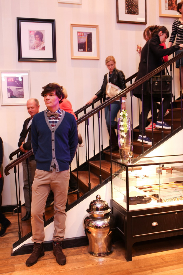 Tommy Hilfiger - Vogue Fashion's Night Out . Изображение № 6.