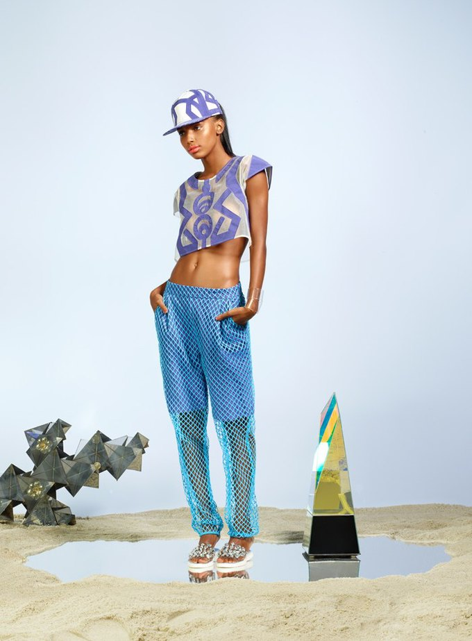 Вышли новые лукбуки J. Crew, Mary Katrantzou и Urban Outfitters. Изображение № 36.