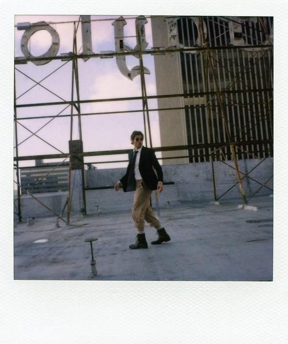 Изображение 29. Boys in the band: Кирстен Данст и Джеймс Марсден в лукбуках Band of Outsiders.. Изображение № 29.