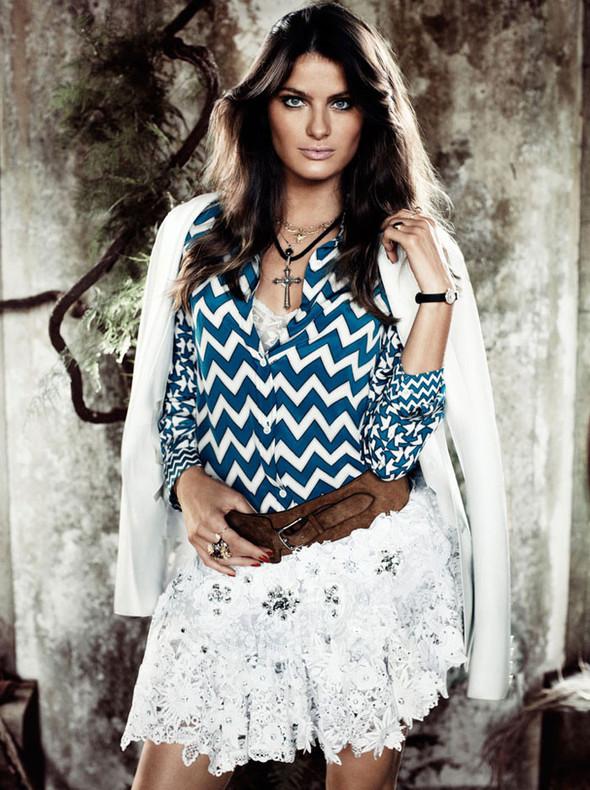 Съёмка: Изабели Фонтана для Vogue. Изображение № 10.