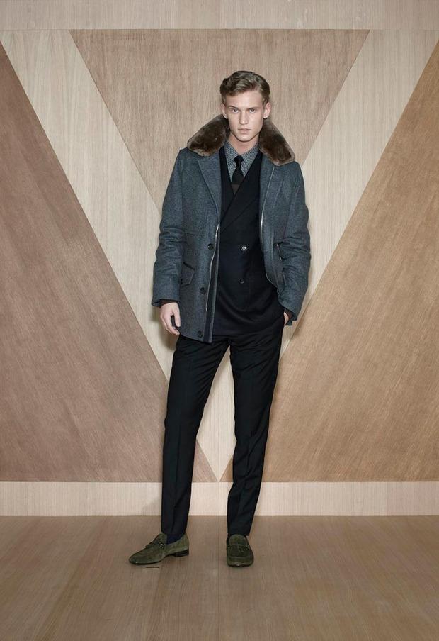 Мужские лукбуки Alexander McQueen, Comme des Garcons, Louis Vuitton и Club Monaco. Изображение № 50.
